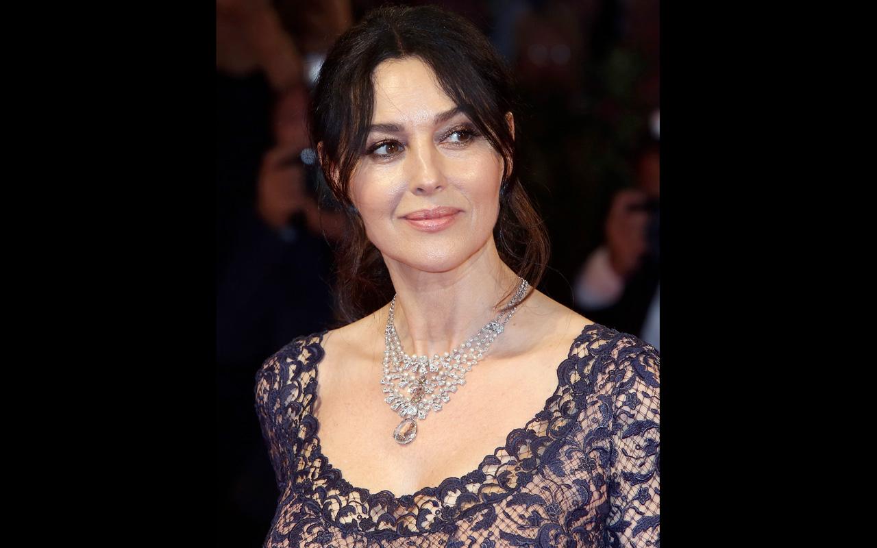 Monica Bellucci deslumbra con Cartier en premiere