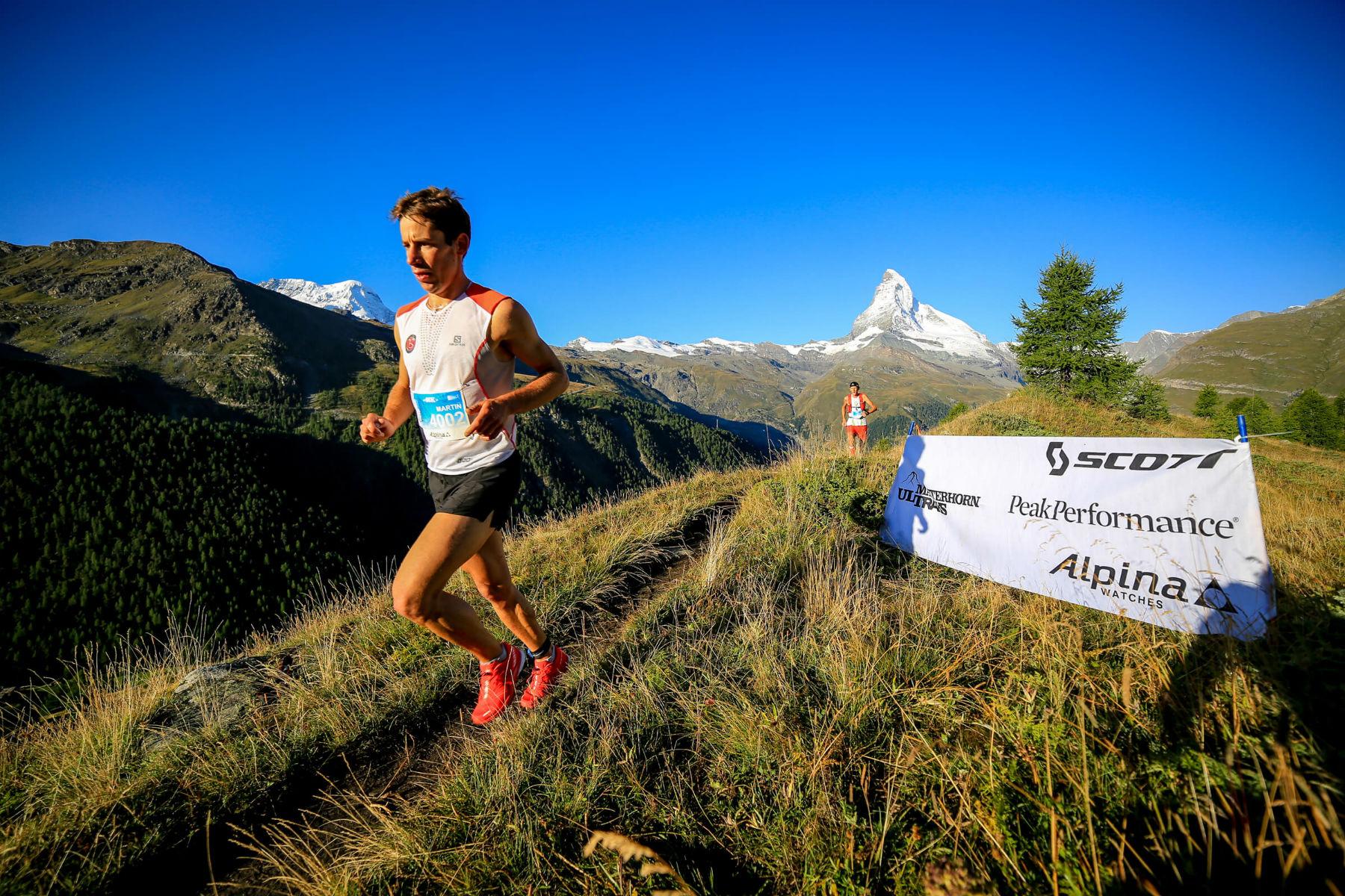 Alpina sube a la cima en carreras de montaña