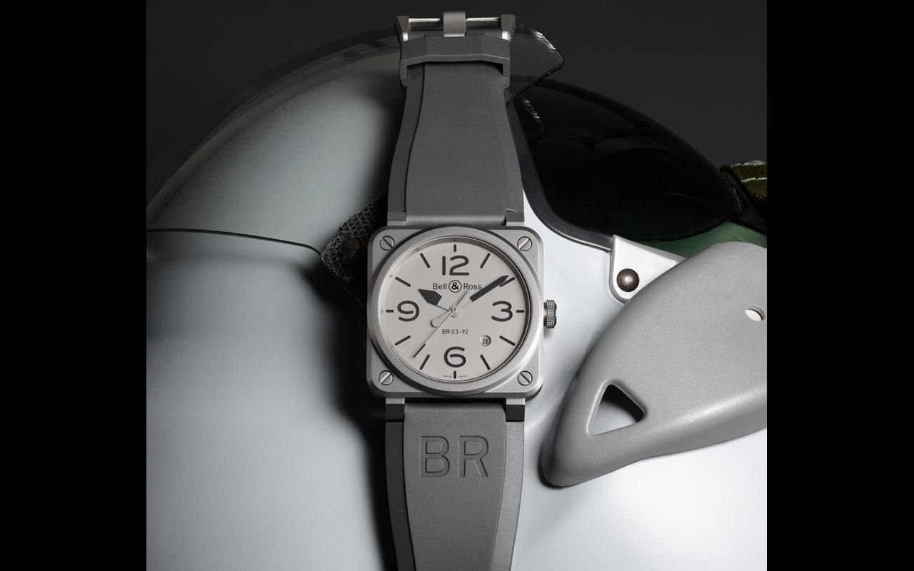 Bell & Ross BR03-92 Horoblack, líneas puras