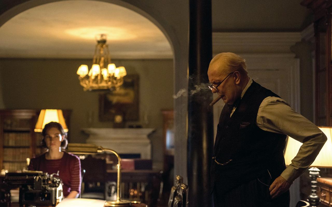 Breguet y Gary Oldman protagonizan 'Darkest Hour'