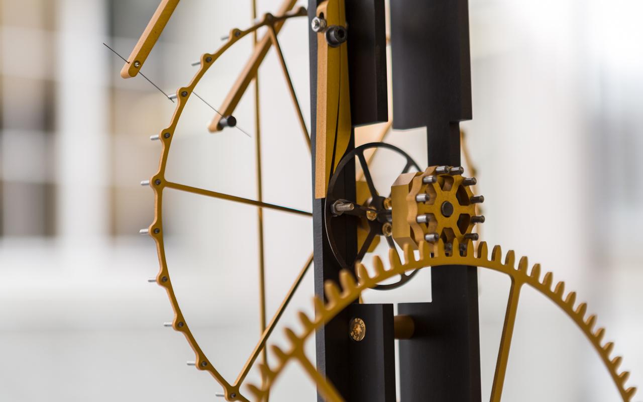 MB&F M.A.D. Gallery exhibe el arte cinético de Florian Schlump