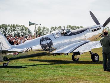 IWC celebró el despegue del Silver Spitfire